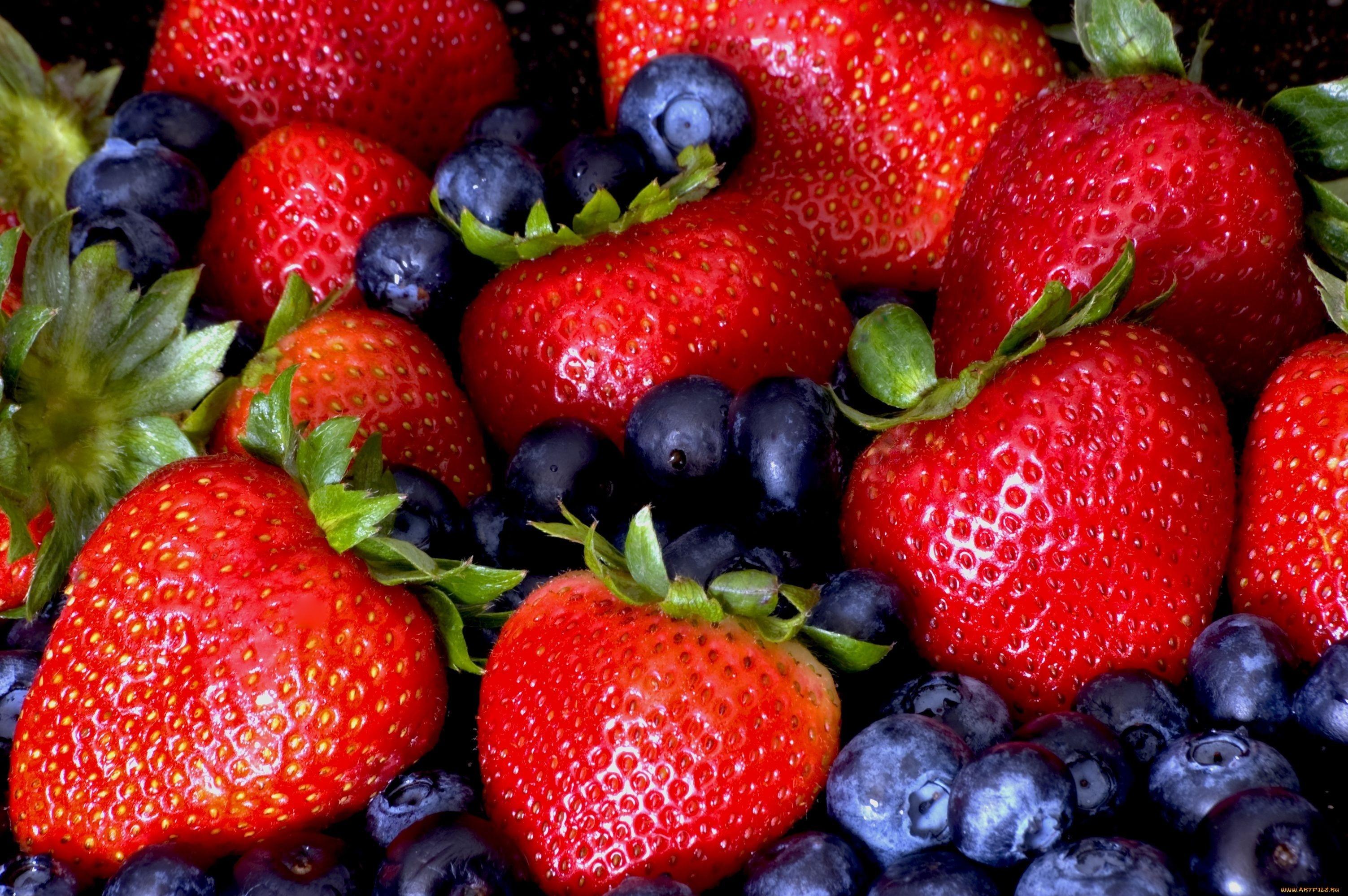 Az eper és az áfonya csökkentheti a szívroham kockázatát a nőknél